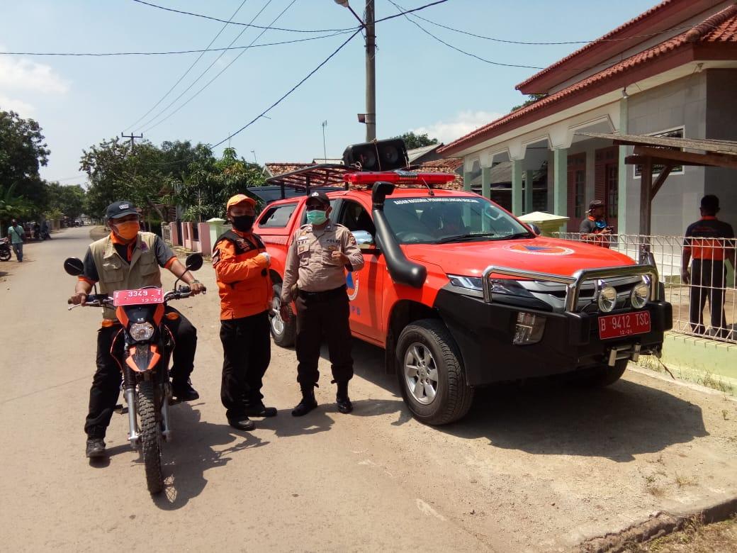 Putus Mata Rantai Virus Corona (Covid-19), Polres Subang Beserta Jajaran Polsek dan BPBD Laksanakan Penyemprotan Disinfektan di Kabupaten Subang