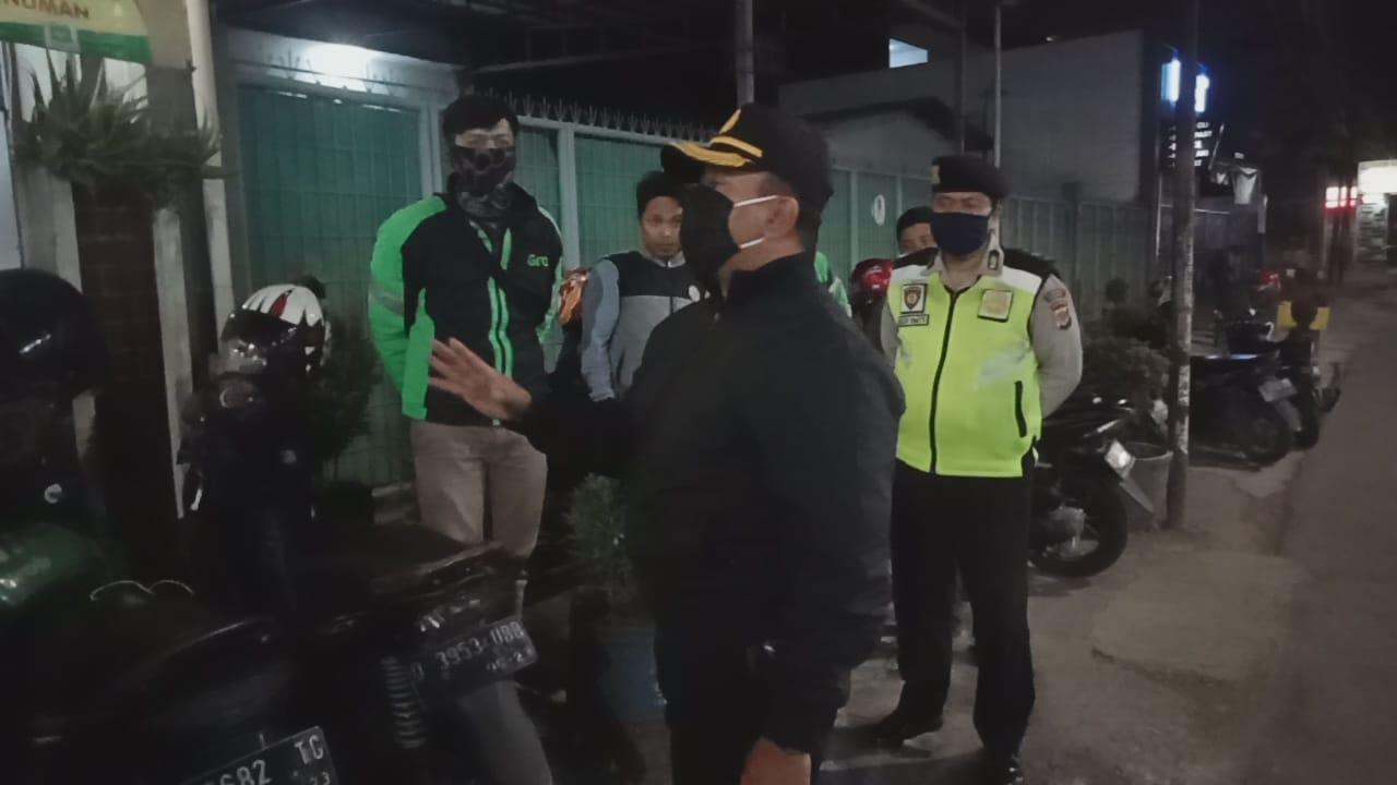 Kapolsek Bandung Kulon Berikan Arahan dan Himbauan Kamtibmasdan Pakai Masker