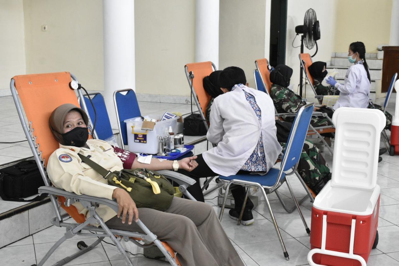 Peduli Kemanusiaan Donor Darah dari Jajaran Kodimlatad di Tengah Wabah Covid-19