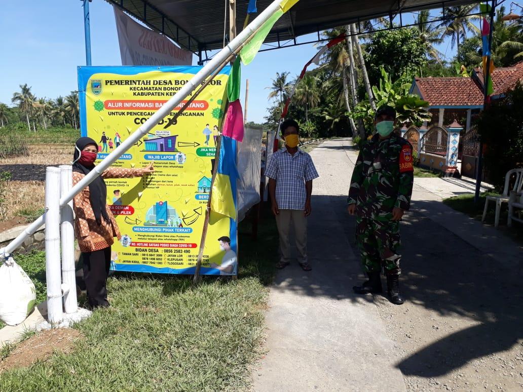Babinsa Koramil 11/Mirit Pantau Posko Covid 19 Desa Binaan