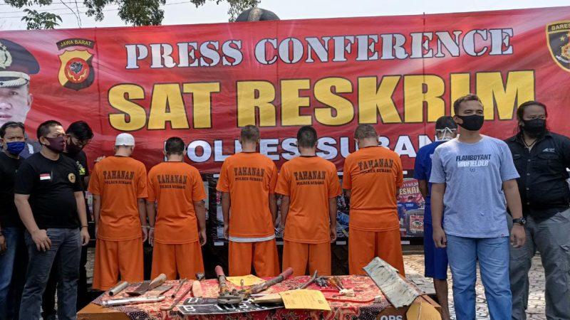 Polres Subang Polda Jabar Gelar Press Conference Tindak Pidana Pencurian Dengan Pemberatan Kendaraan R4 dan Penadah