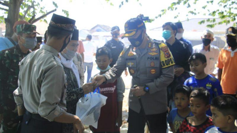 Polres Karawang Polda Jabar Pantau Pemotongan Hewan Qurban Bagi Masyarakat