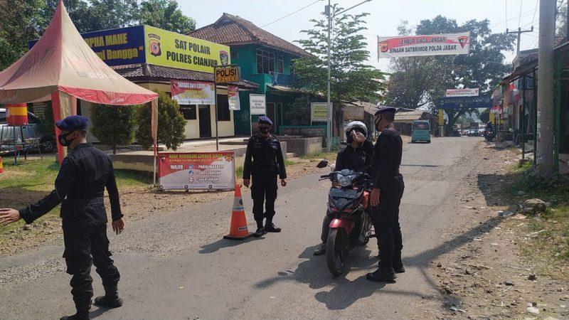 Sat Brimob Polda Jabar Tetap Terapkan Protokol Kesehatan di Kampung Tangguh Jangari