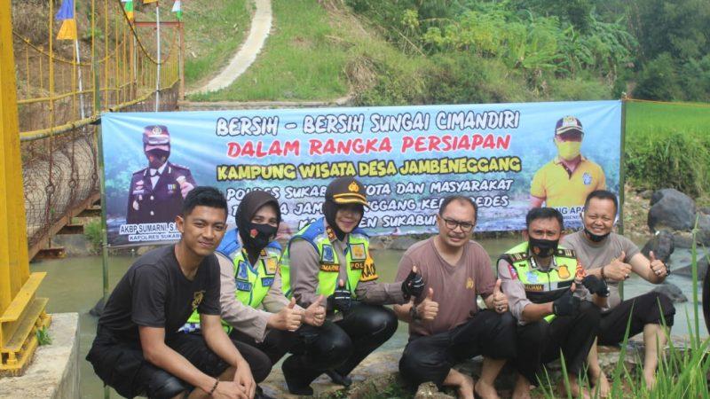 Jadikan Desa Sebagai Objek Wisata, Pokres Sukabumi Kota Polda Jabar Bersih-Bersih Sungai Cimandiri Bersama Masyarakat