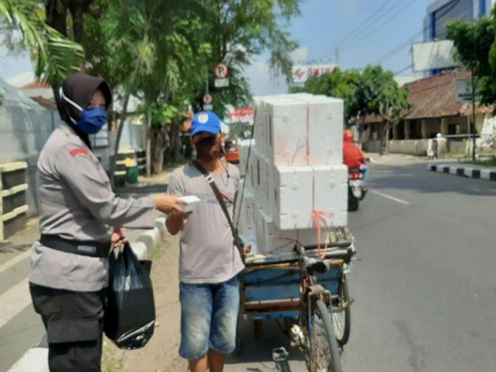 Posko Dapur Umum TNI-Polri Kab. Subang Kembali Bagi-bagi Nasi Kotak Peduli Covid-19 di Kab. Subang