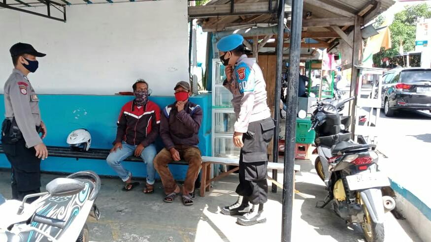 Polres Subang beserta Polsek Jajaran Laksanakan Giat Rutin Himbauan Prokes dan 3M kepada Masyarakat