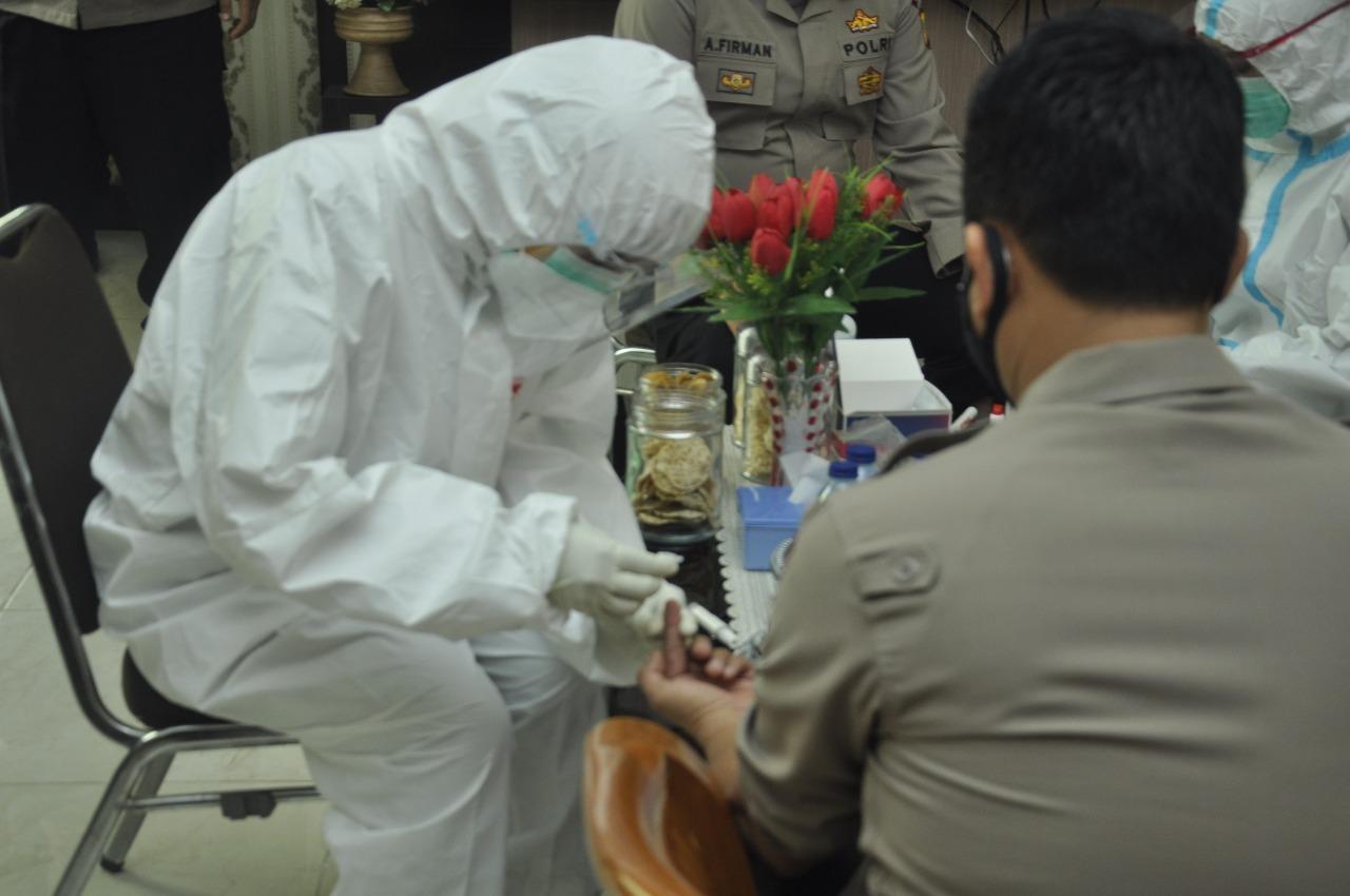 Kunjungi Polres Banjar, Pejabat Polda Jabar Jalani Rapid Test