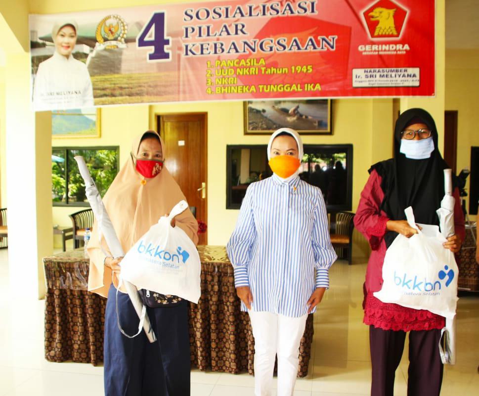 Sri Meliyana Laksanakan Sosialisasi 4 Pilar Kebangsaan Bersama Para Pedagang Pasar Lematang Lahat