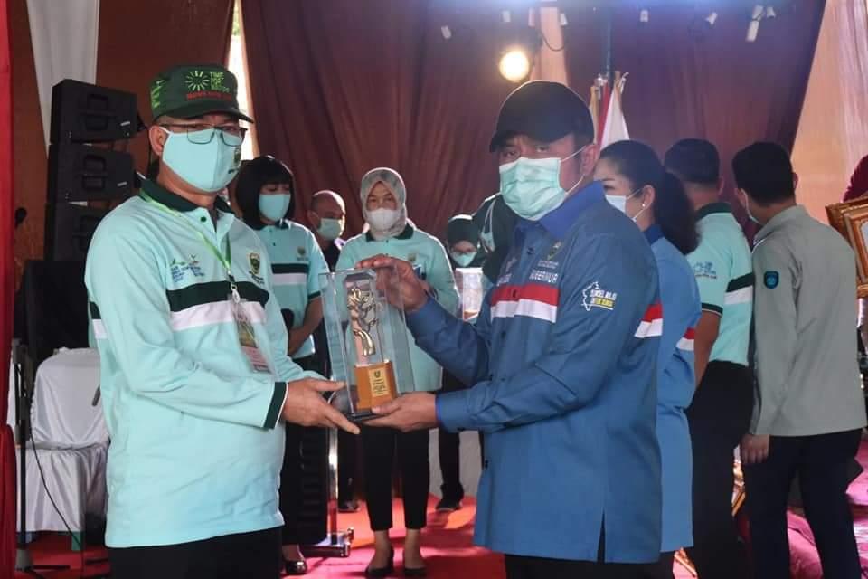 Walikota Pagaralam Terima Penghargaan Penyusunan Dokumen LKPLHD