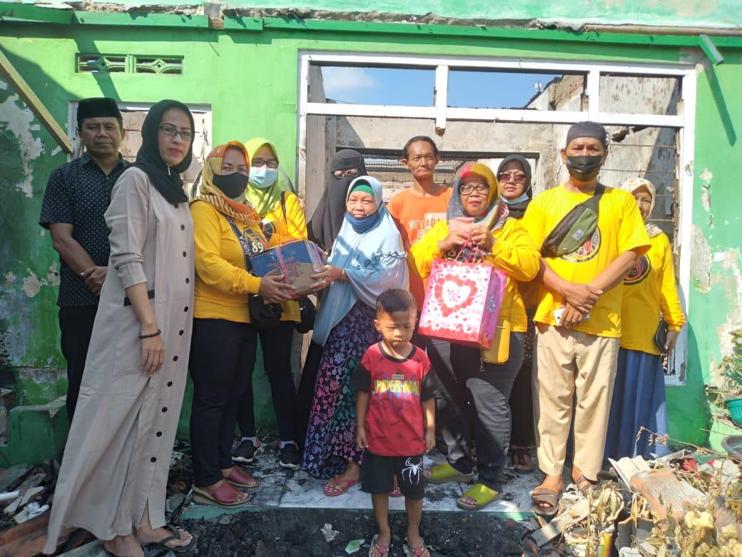 Alumni 89 SMPN dan Kuwu Bongas Wetan Kec. Sumberjaya, Peduli Sesama yang Kena Musibah Kebakaran